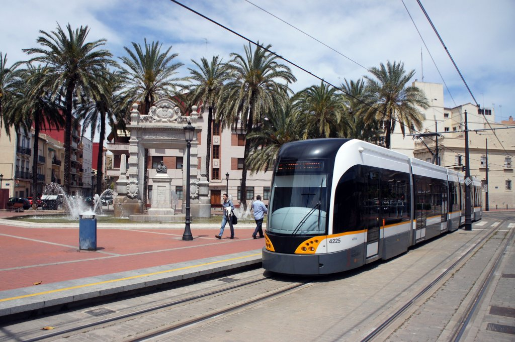 metro-tram-valencia-strassenbahn-690912