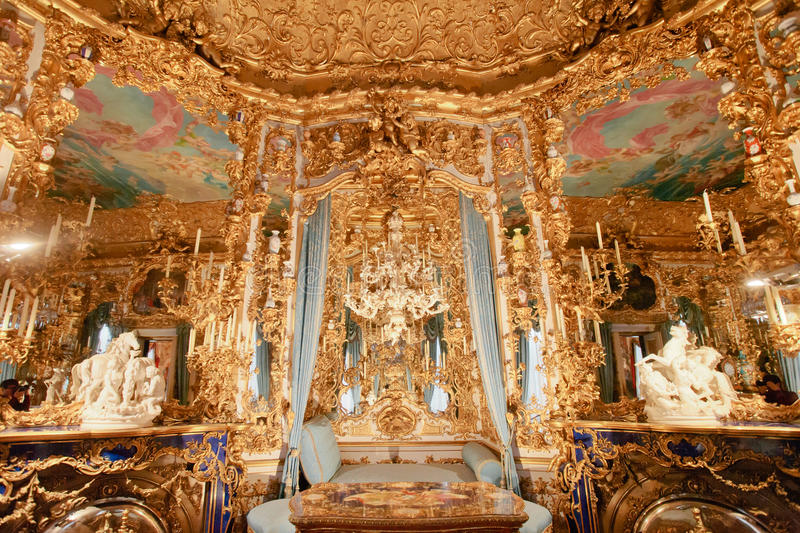 linderhof-palace-hall-mirrors-horizontal-60850577
