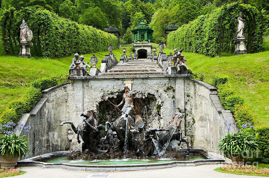 linderhof-palace-neptune-cascade-bavaria-germany-elzbieta-fazel