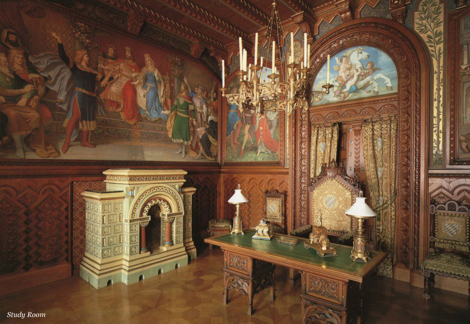neuschwanstein_castle_study-room